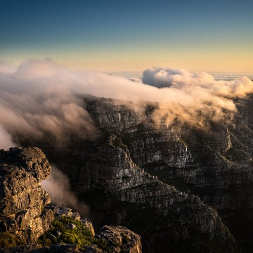 SouthAfrica_View_from_Table_Mountain_at_Sunset_Tablecloth_1024px