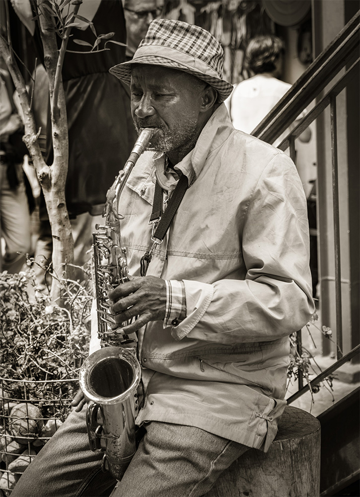 Sax player, Woodstock Market