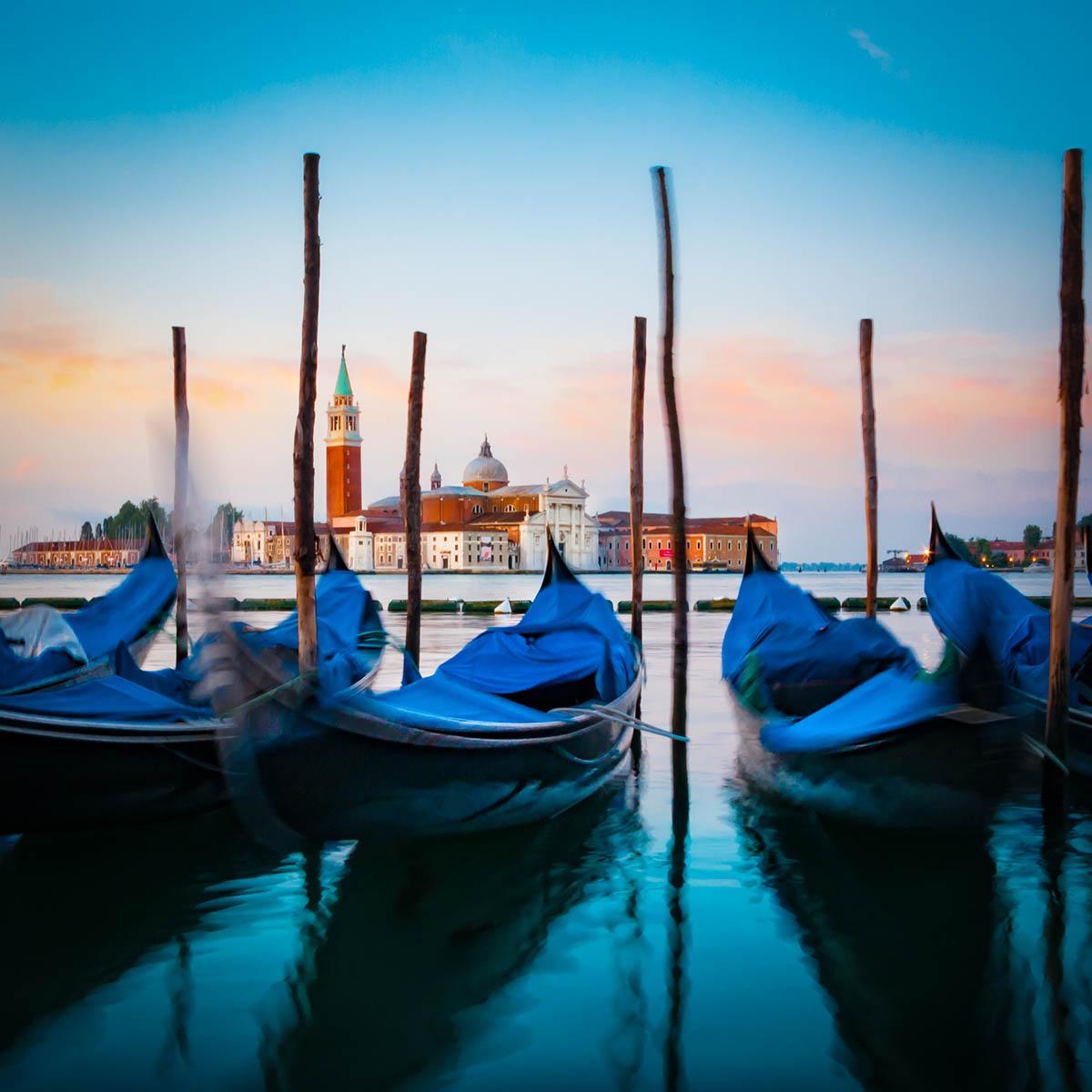 tourist free photography - Venetian gondolas