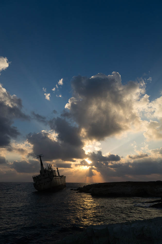 exposure compensation ship wreck cyprus correct sky