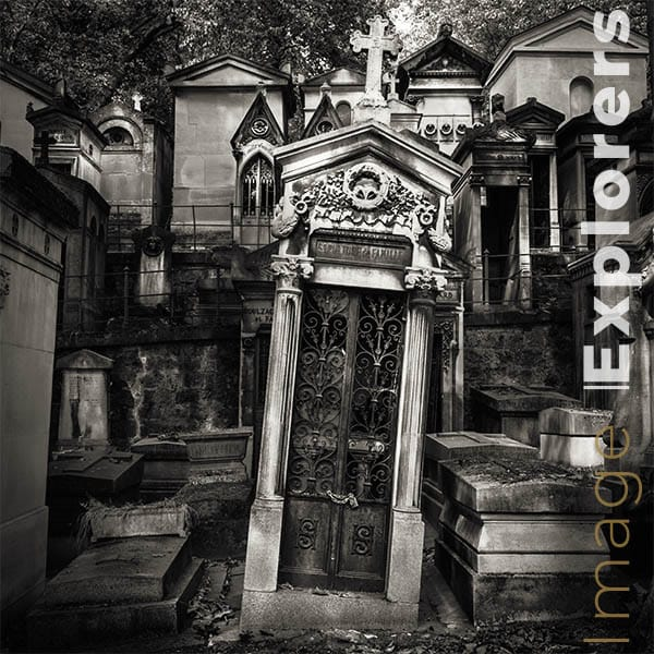 photographing Paris graveyards