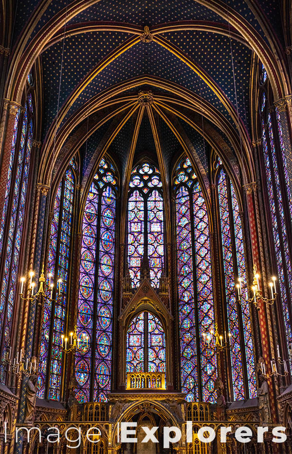 St Chappelle Paris shows how to use low light photography in cathedrals and churches