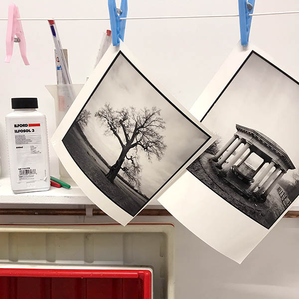 drying the black and white darkroom print